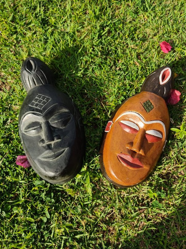 Mascara Indonésia Iluminado Madeira