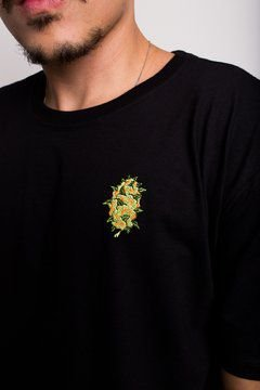 Camiseta Bud Embroidery
