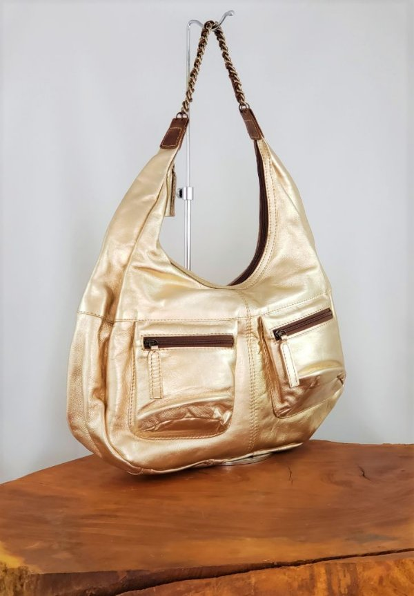 Bolsa Feminina Grande de Couro Metalizado Ouro Nair