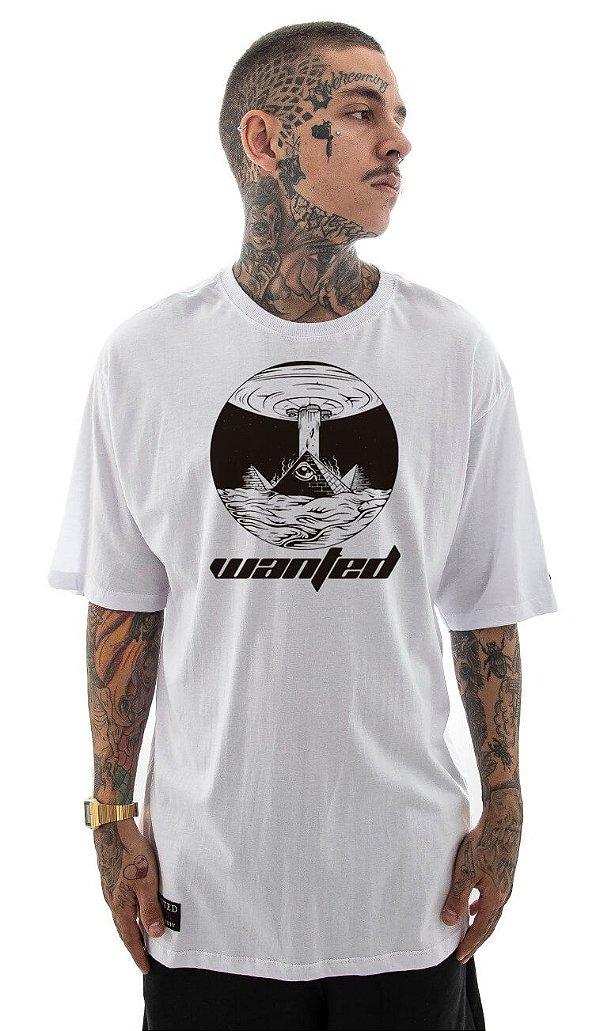 Camiseta Wanted - Alien Pyramid