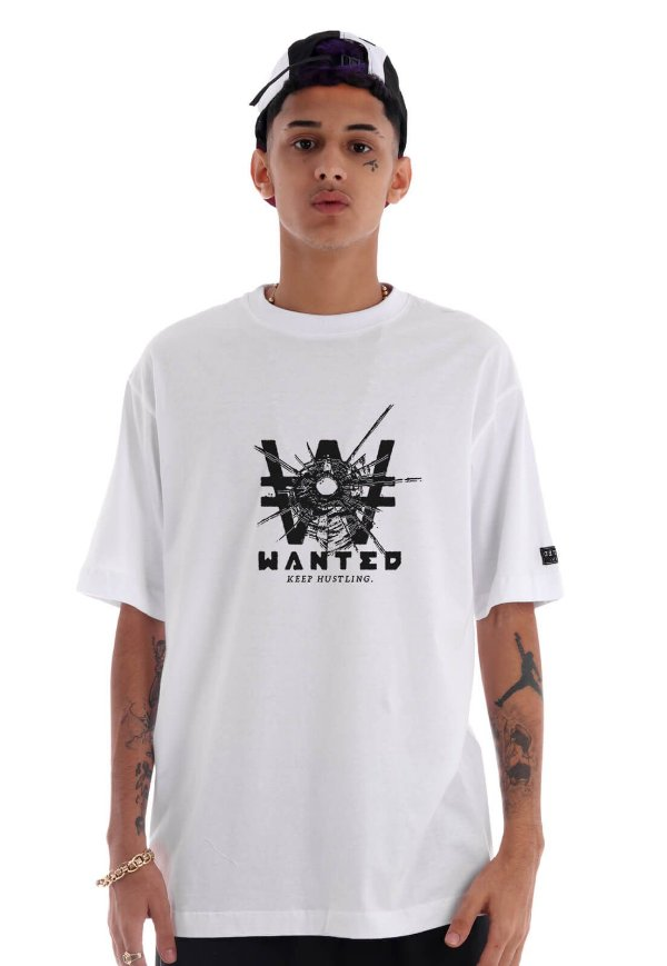 Camiseta Premium Wanted - Broken Glass Branca
