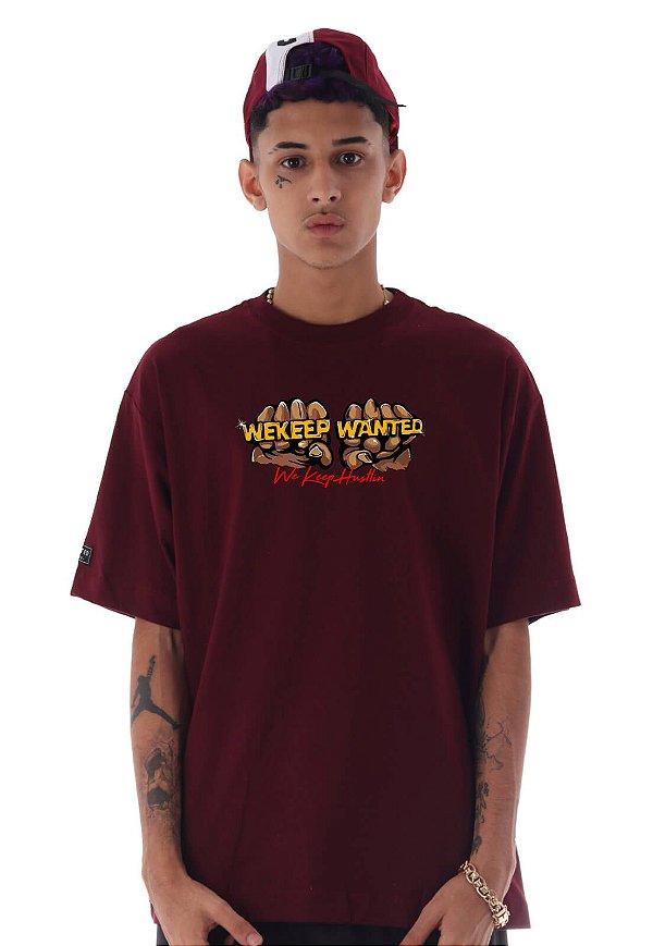 Camiseta Premium Wanted - We Keep Hustlin Vinho