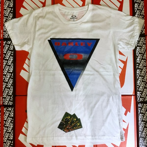 Camiseta Oakley Surf - Branca