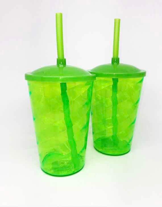 Copo Twister 400ml Verde c/tampa e canudo unid