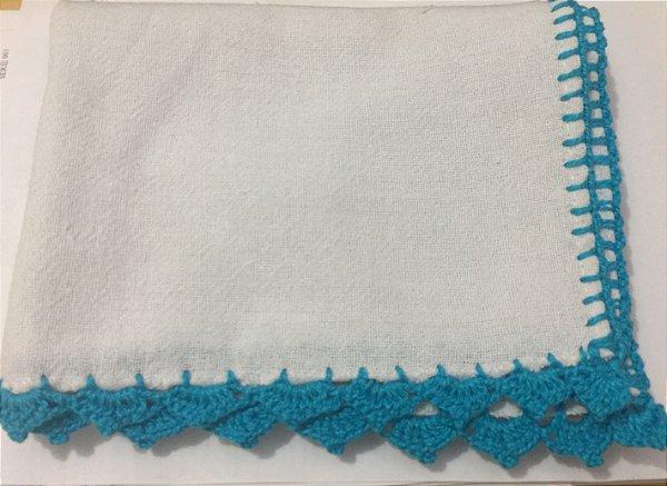 Pano Prato Branco (63x44) Barra Crochê Azul Turquesa unid