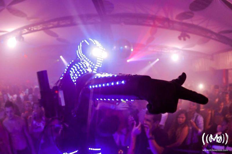 Atração - Robô LED