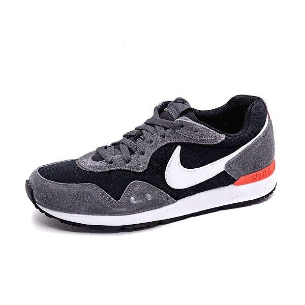Tênis Esportivo Nike Venture Runner Preto