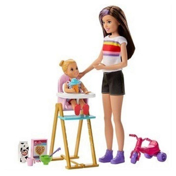Boneca Barbie com Cenario Babysitter Hora Da Alimentacao