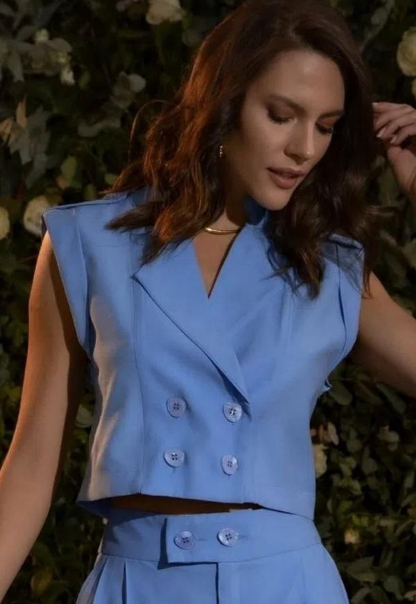 COLETE CROPPED AZUL