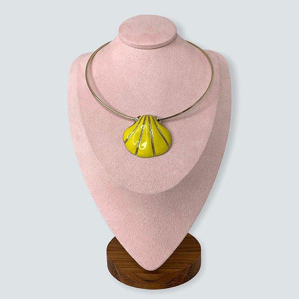 Gargantilha concha amarela