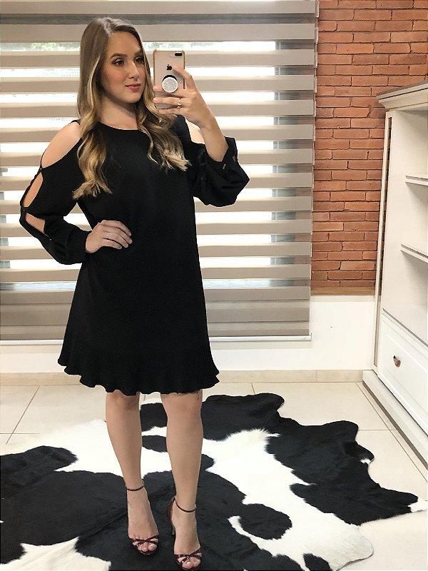 Vestido preto manga aberta