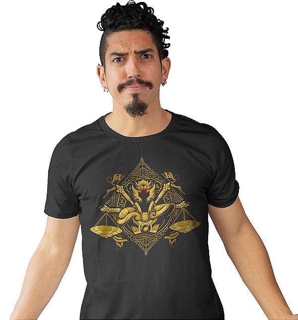 Camiseta Cavaleiros do Zodíaco - Armadura de Ouro de Libra