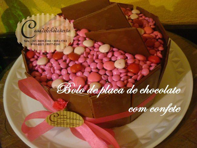 BOLOS COM PLACA DE CHOCOLATE