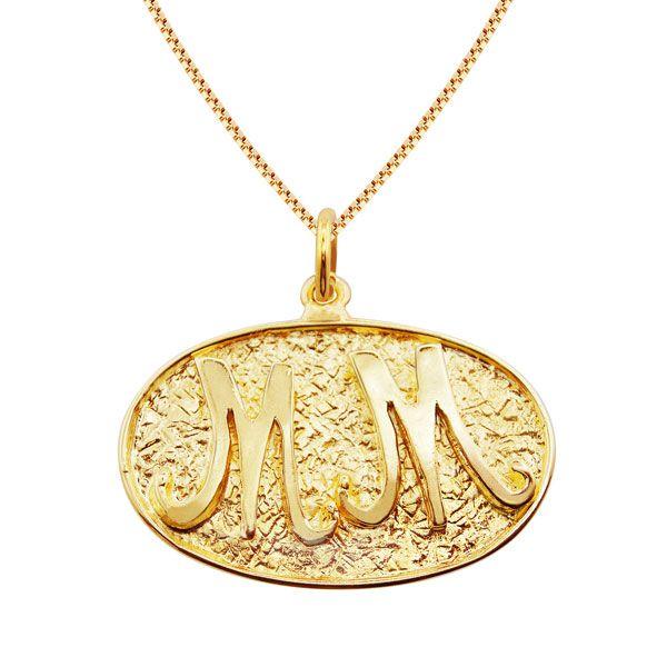 Gargantilha de DUAS Letras de base texturizada em semi joia banhado em ouro 18k