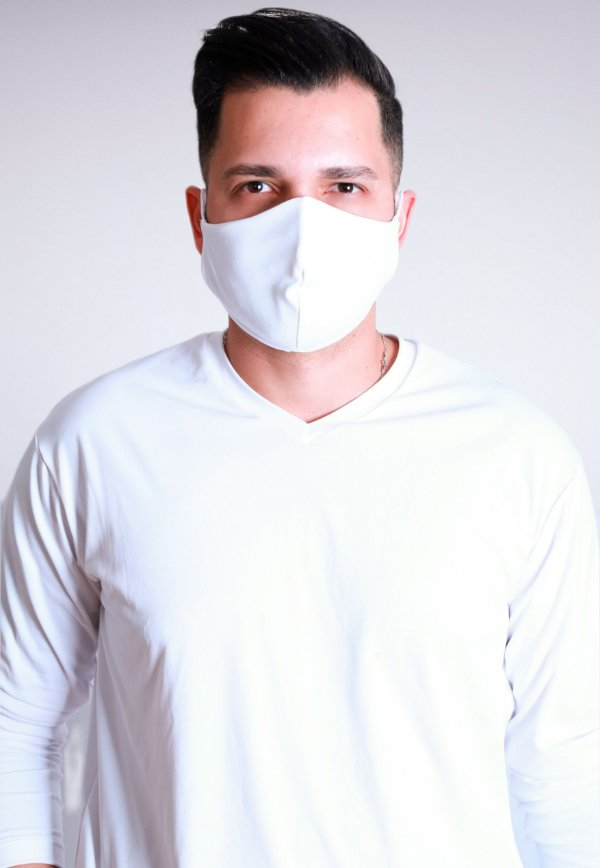 Máscara antiviral branca