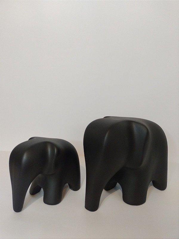 Familia de Elefantes Preto Fosco de Ceramica
