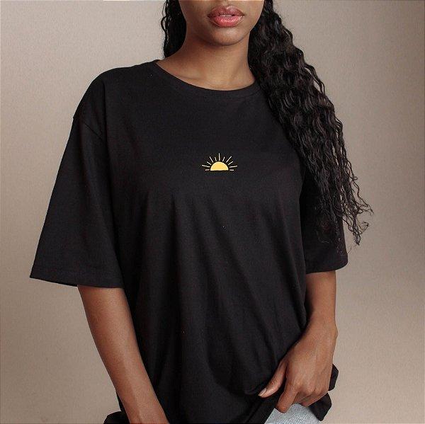 Camiseta Sol preta