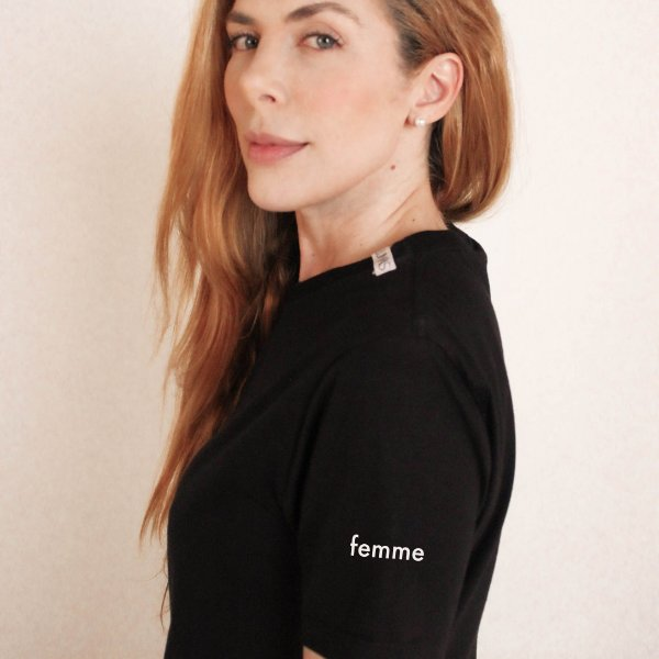 Camiseta Femme preta