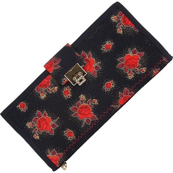 Carteira de Mão de Patchwork Preta com Flores Vermelha