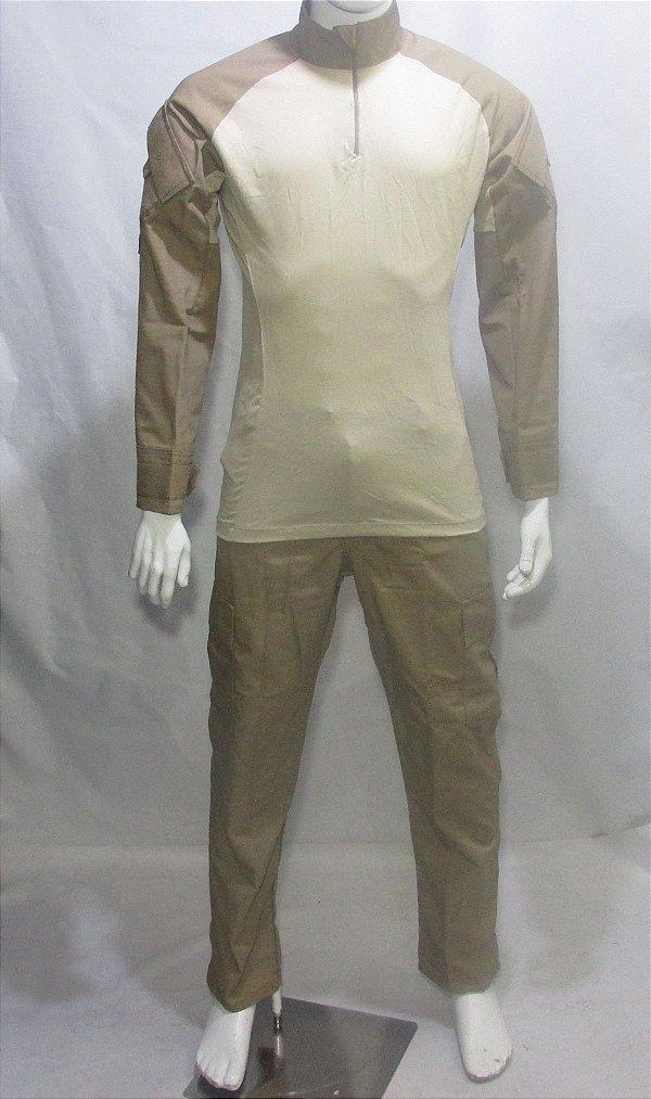 Calça e Combat t-shirt Cáqui