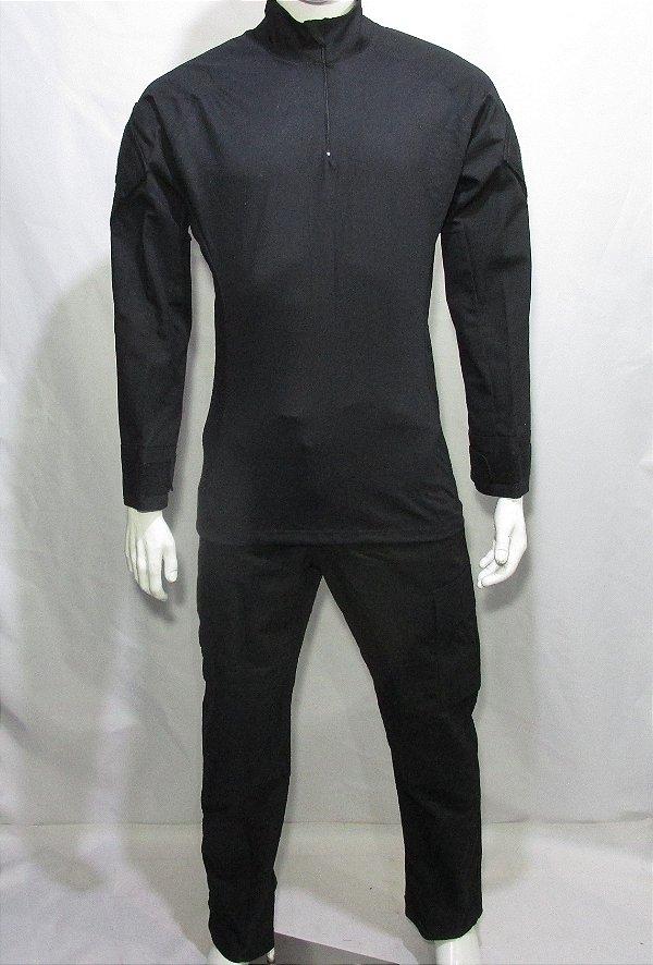 Calça e Combat t-shirt preto