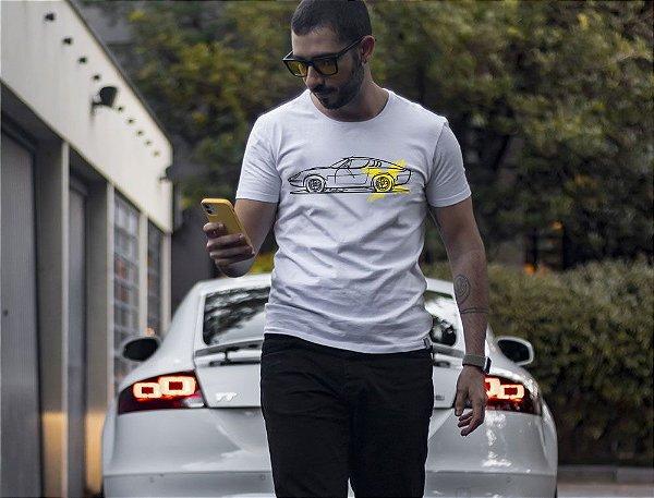Camiseta Puma GTE Tubarão por Adonis Alcici - Desenho Automotivo