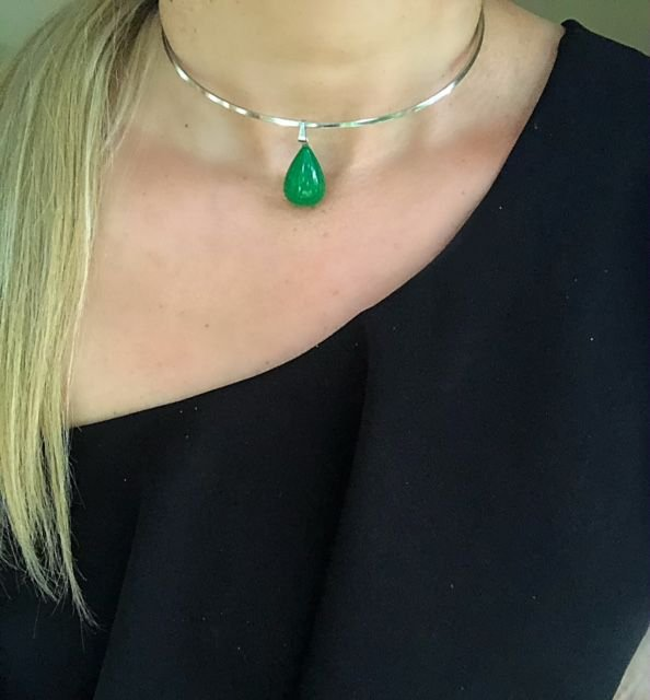 Chocker aro prata pedra Jade verde