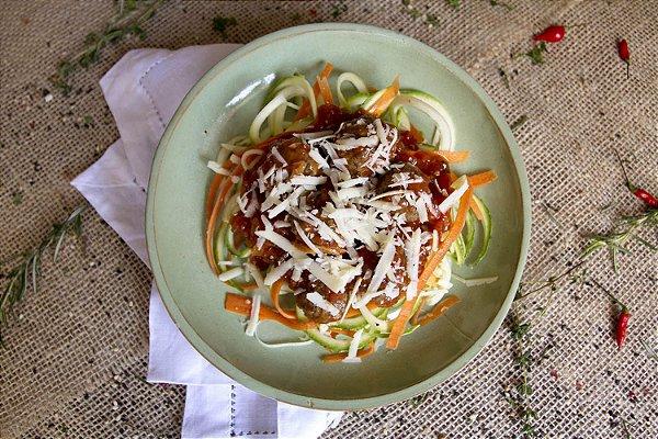 Almôndegas de carne com espaguete de legumes (low carb/ glúten free) - 400g