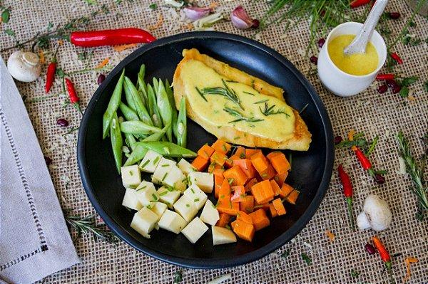 Filé de frango com mostarda e legumes no vapor (low carb/ glúten free/ lac free) - 400g