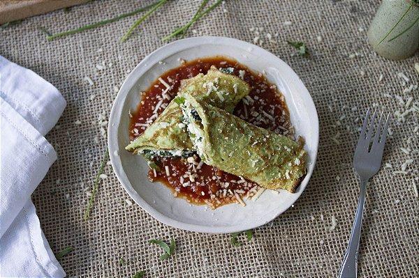 Panqueca integral de ricota com espinafre ao molho sugo e parmesão (vegetariano) - 400g