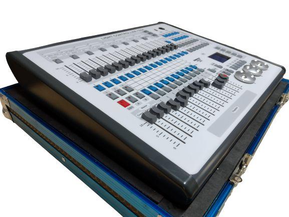 Mesa Dmx Mini Avolite 1024 C/ Case