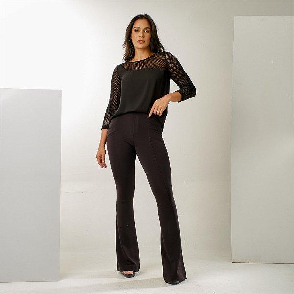 Calça com recorte flare cintura alta