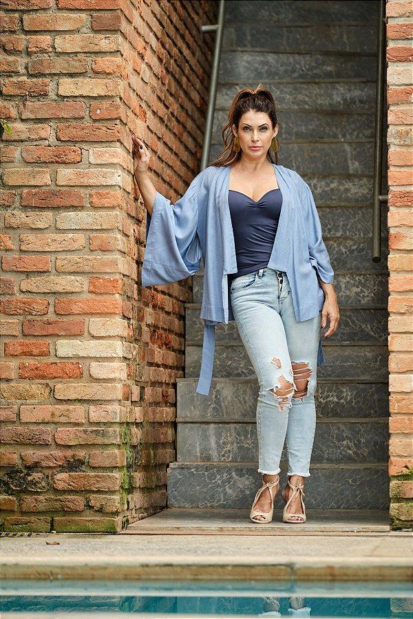 Kimono jeans  com amarração e bordado nas costas