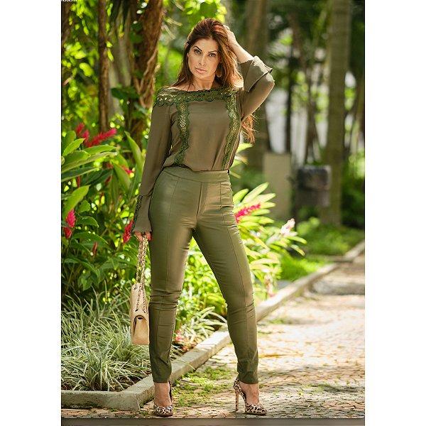 Calça skinny couro ecológico cintura alta