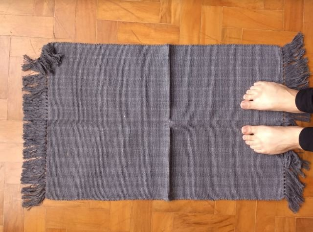 Tapetinho em algodão liso cinza chumbo
