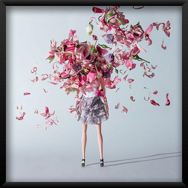 Quadro Menina Floral