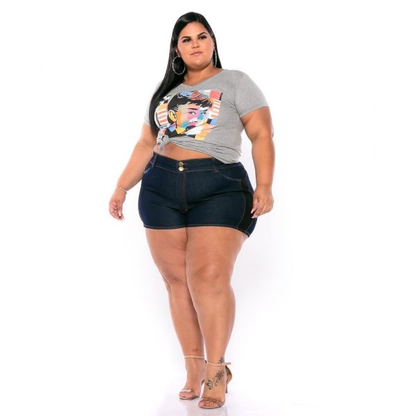 Short Jeans Stretch c Detalhe Preto Lateral e Bolsos Plus Size 44 ao 60 3224