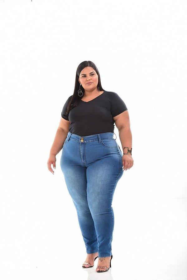T-shirt Feminina Básica Preta Plus Size