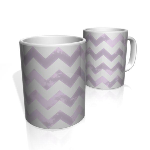 Caneca De Porcelana Nerderia e Lojaria linha zigzag lilas colorido