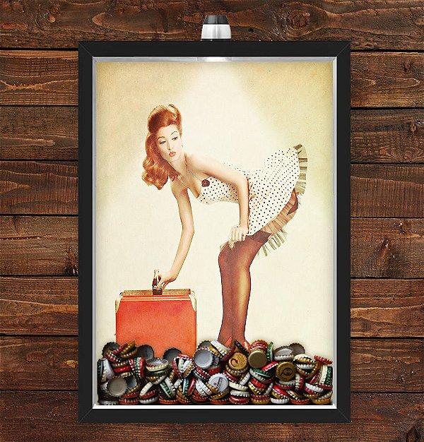Quadro Caixa Porta Tampinha Cerveja 33x43 cm (Com Led) Lojaria e Nerderia. pin up girl preto