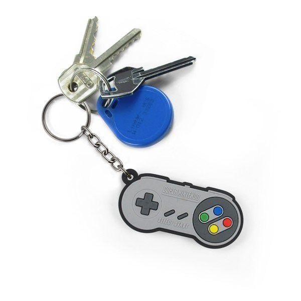 Chaveiro gamer emborrachado Controle 16-bits