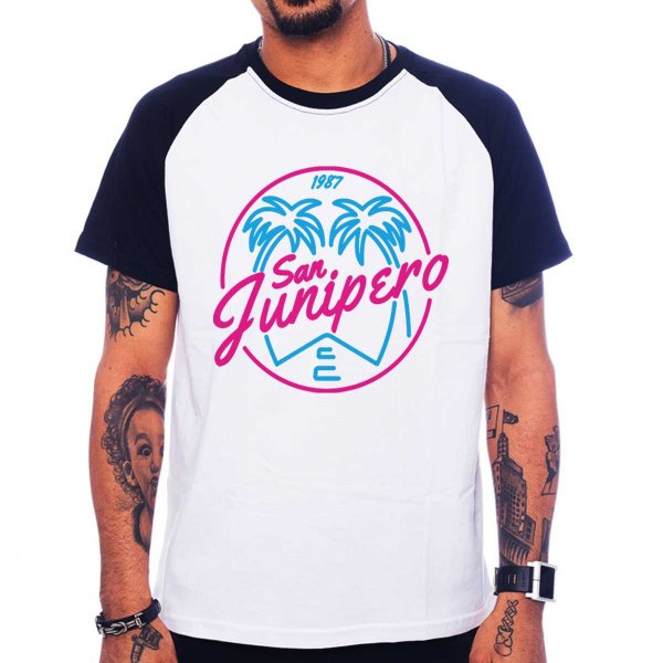 Camiseta Raglan Black Mirror - San Junipero