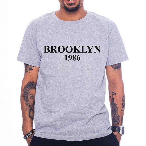 Camiseta Brooklyn - Cinza - M