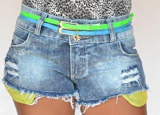 Shorts Jeans Boyfriend Rasgado com Cintos e Elastano