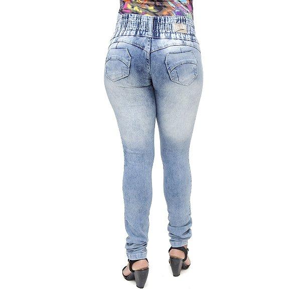 Calça Jeans Feminina S Planeta com Lavagem Marmorizada Levanta Bumbum