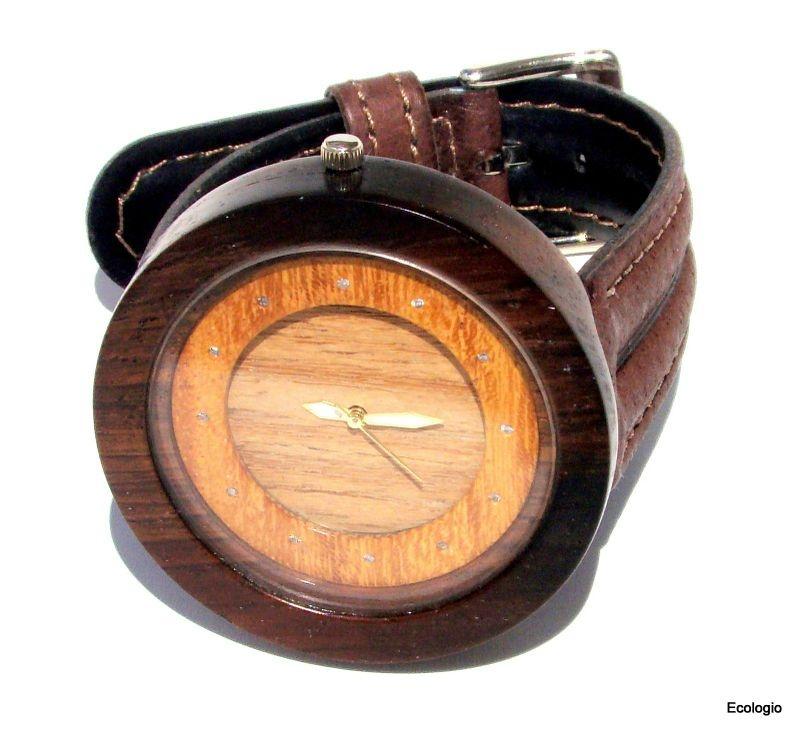 Relógio de Madeira Jacaranda com Diamantes