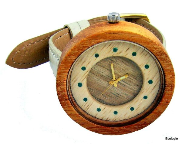 Relógio de Madeira com Esmeralda / Wood Watch GEMSTONE JEWELRY