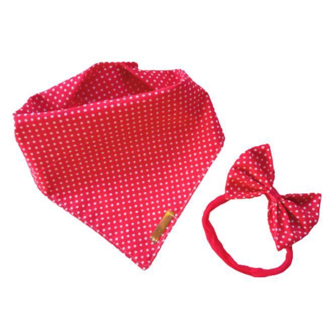 Babador bandana com faixinha de cabelo poá vermelho
