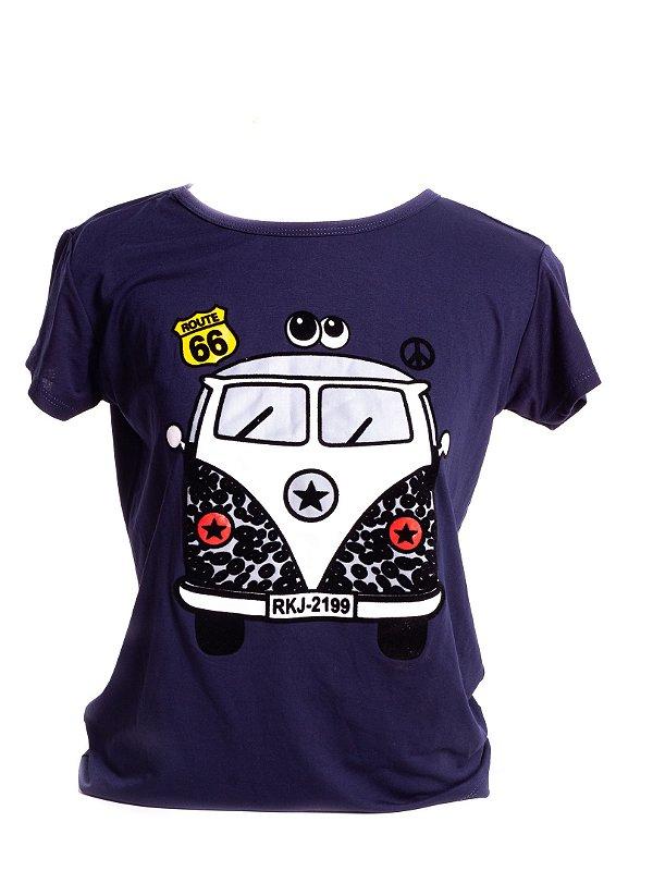 T-Shirt Femme Infantil Bad Rose roxa com Detalhe Brancos, Pretos e veludo.