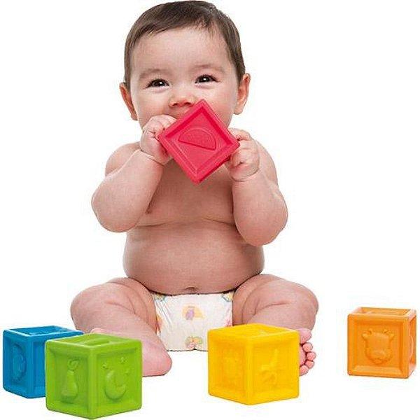 Cubinhos DIvertidos (Brinquedo de empilhar)